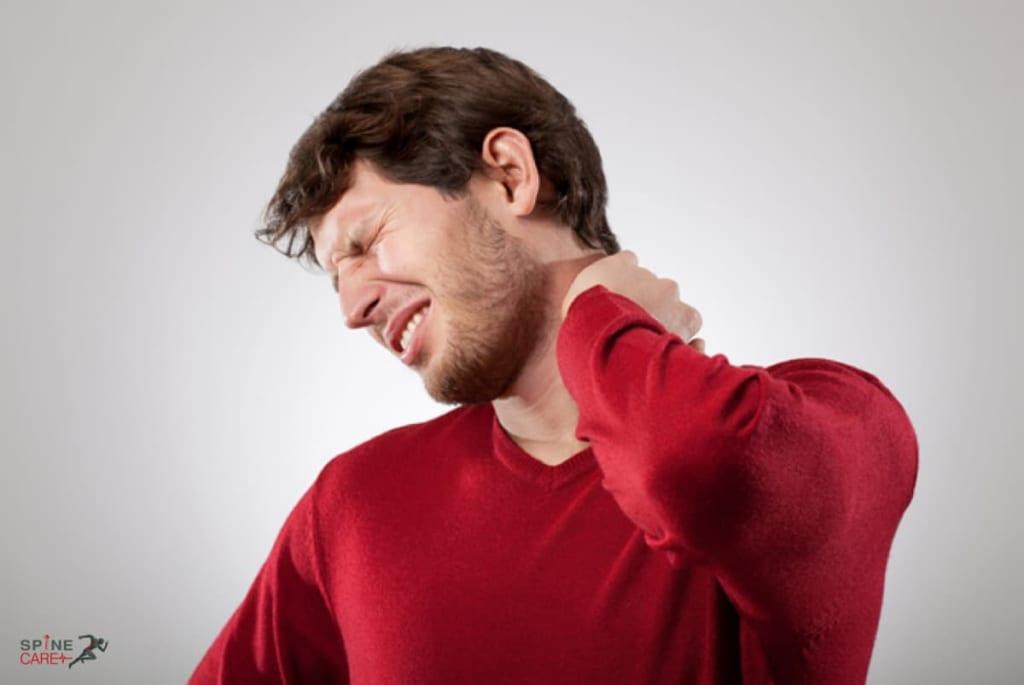triệu chứng của thoát vị đĩa đệm ở cổ