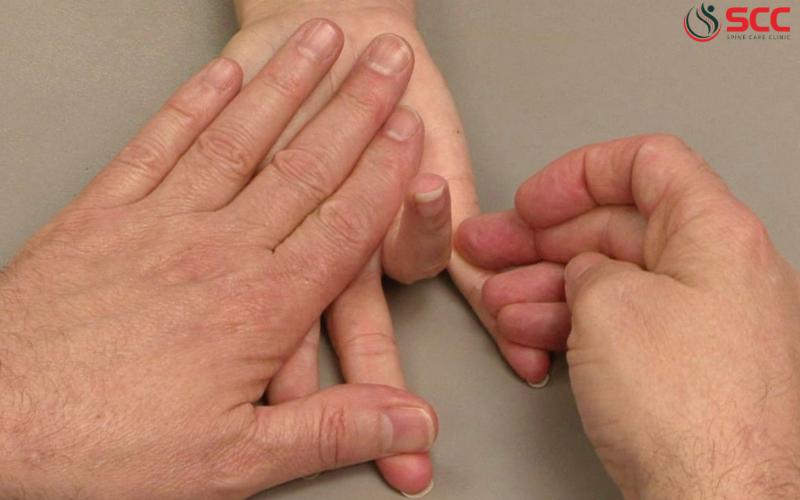 Triệu chứng bệnh ngón tay cò súng