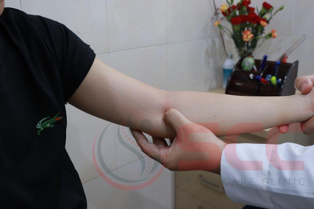 chữa chèn ép thần kinh bì khuỷu tay